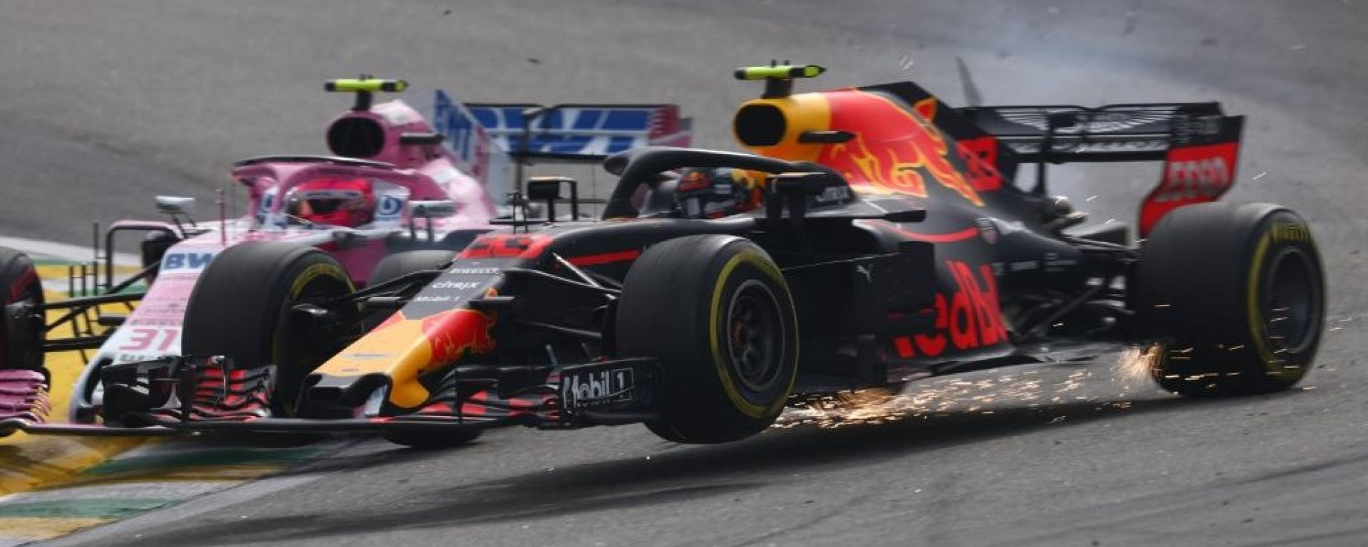 "GP Brasile, Verstappen: ""Colpa di un idiota"". E con Ocon finisce a spintoni"