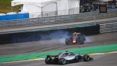 """GP Brasile, Verstappen: """"Colpa di un idiota"""". E con Ocon finisce a spintoni - Immagine: 6"""