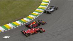 GP Brasile: vince Hamilton, ma merita Verstappen (buttato fuori da Ocon) - Immagine: 5