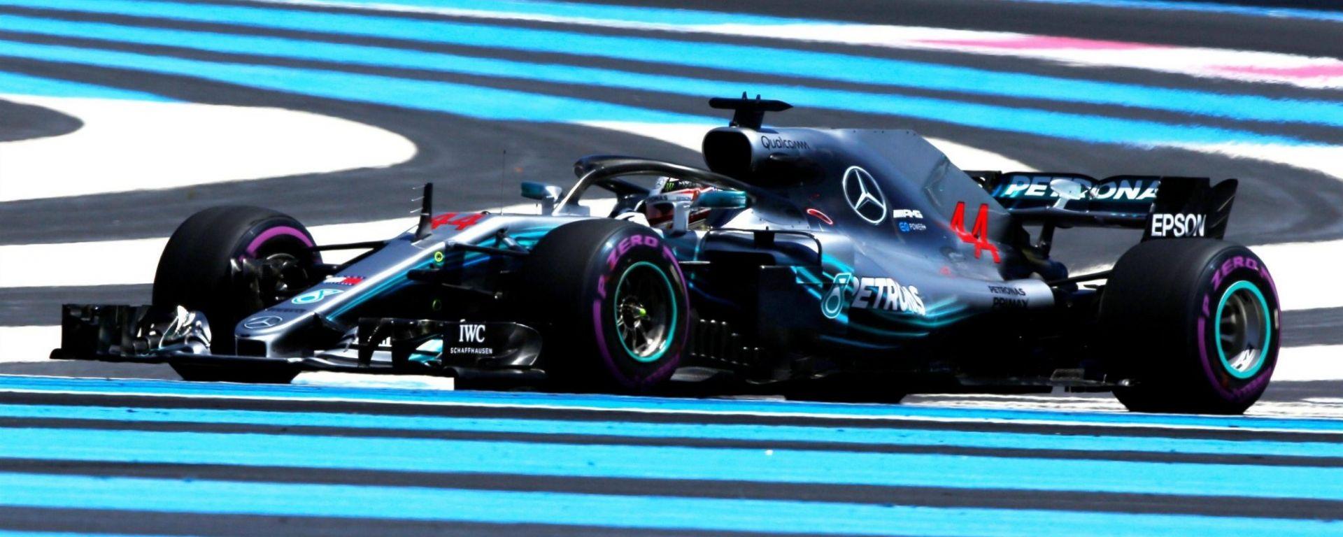 GP Francia, FP1: Mercedes davanti a tutti mentre Ferrari arranca. Ericsson vede andare a fuoco l'Alfa Romeo Sauber