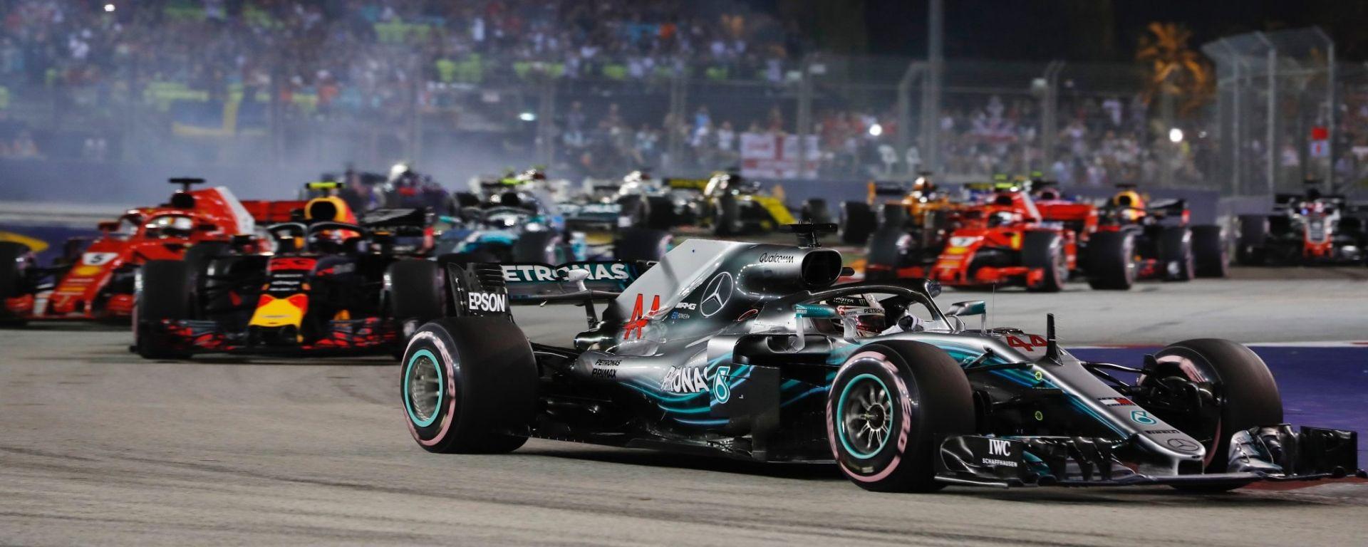GP Singapore: Hamilton domina e prenota il quinto titolo, Vettel 3°