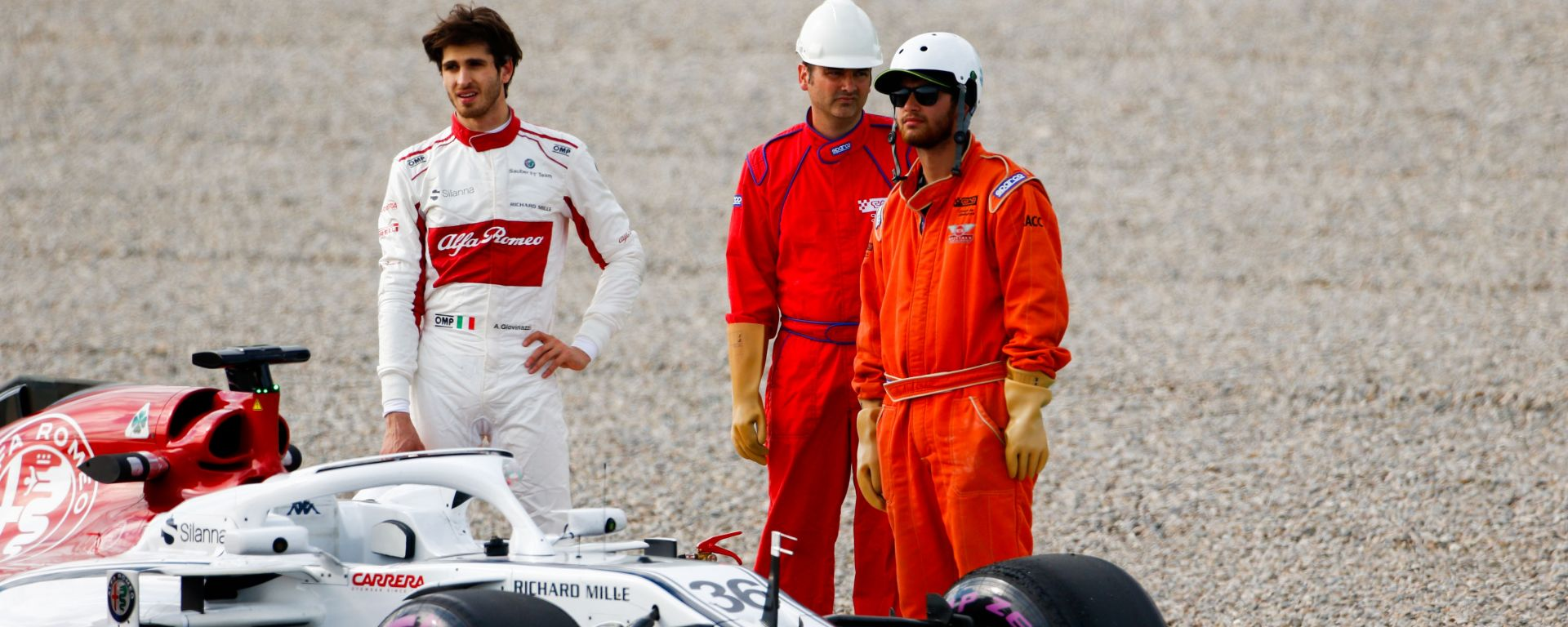 Nei test, Giovinazzi fermo con l'Alfa Romeo. Oggi tocca alla Ferrari