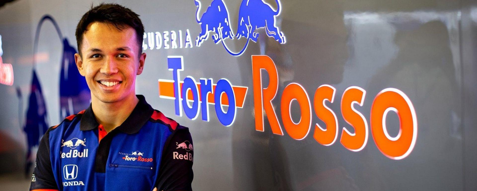 """Alex Albon sceglie il numero 23: """"È un omaggio a Valentino Rossi"""""""
