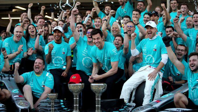 F1 2019: la Mercedes festeggia il titolo Costruttori
