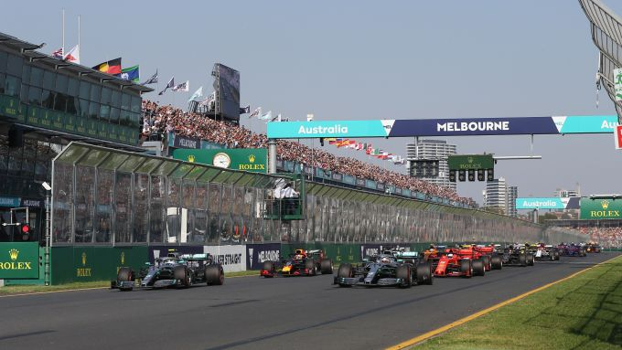 F1 2019, la partenza del Gp Australia a Melbourne