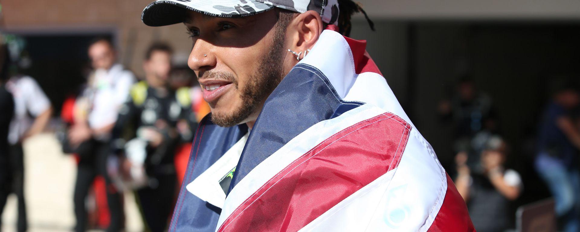 F1 2019, Lewis Hamilton (Mercedes) festeggia dopo la conquista del titolo mondiale ad Austin