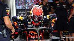 F1 2019, Pierre Gasly scende dalla sua Red Bull. Da Spa ci salirà Alexander Albon (fin qui in Toro Rosso)