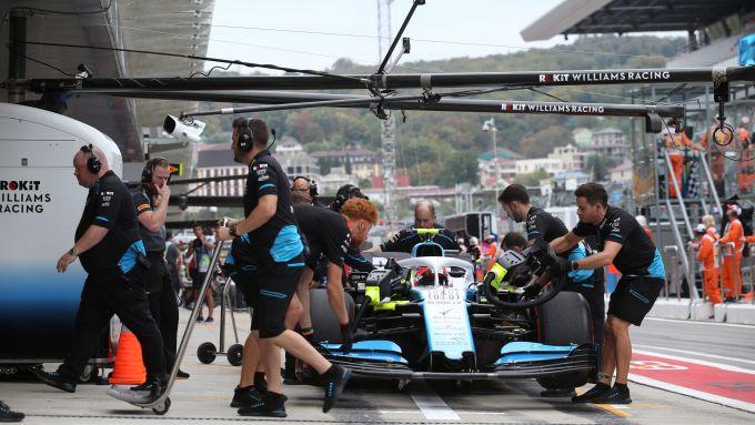 F1 2019, Sochi: Robert Kubica e i meccanici della Williams