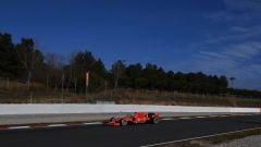 Test F1 Barcellona, day-1. la Ferrari si traveste da Mercedes - Immagine: 1