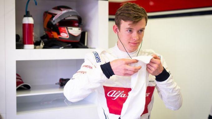 F1 2020, Callum Ilott con la tuta del team Alfa Romeo Racing