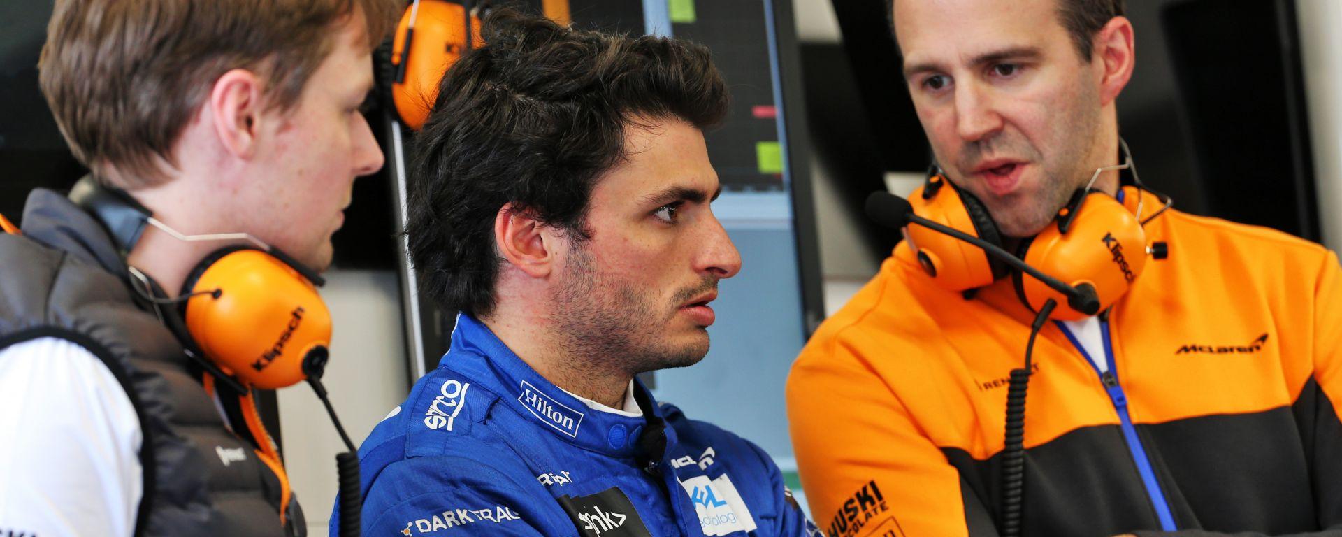 F1 2020: Carlos Sainz nel box McLaren