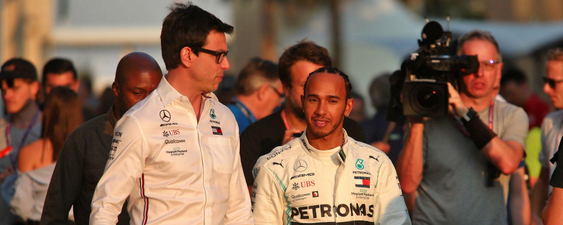 Hamilton-Mercedes: le trattative per il rinnovo rallentano