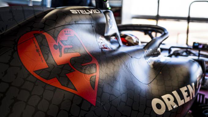 F1 2020: il grosso cuore sul cofano dell'Alfa Romeo C39