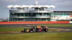 F1 2020: lo shakedown della RB16 con Max Verstappen a Silverstone