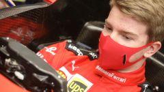 F1 2020, Robert Shwartzman alla prova sedile della Ferrari SF1000