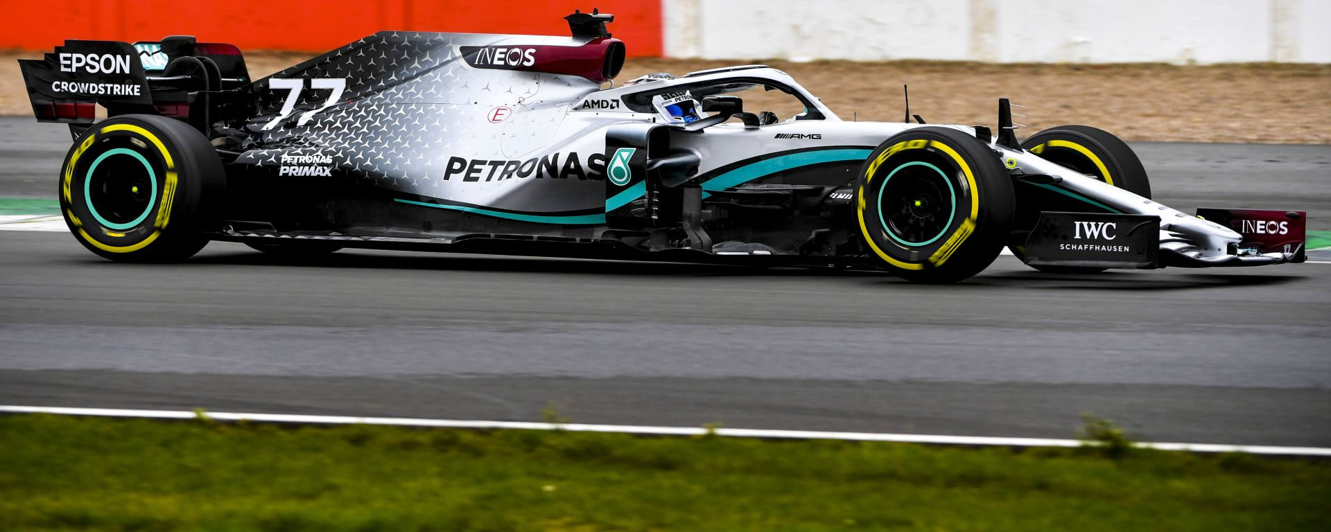 F1 2020: Valtteri Bottas al volante della Mercedes W11