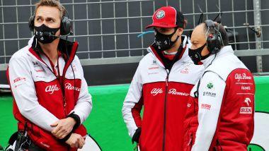 F1 2021: Antonio Giovinazzi e il team principal dell'Alfa Romeo, Frederic Vasseur