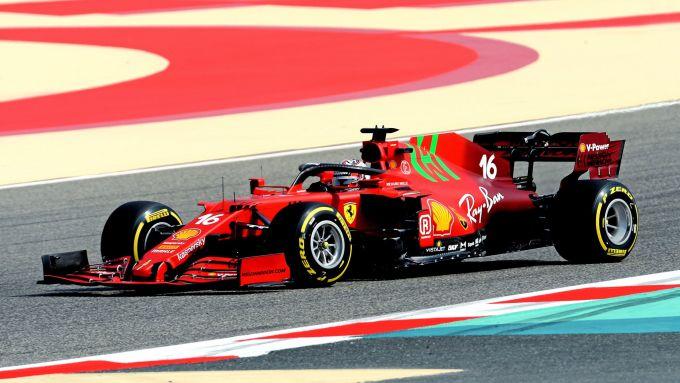 F1 2021, la Ferrari SF21 con Charles Leclerc durante il filming day in Bahrain
