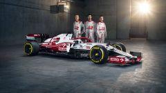F1 2021: l'Alfa Romeo C41 con i piloti Robert Kubica, Antonio Giovinazzi e Kimi Raikkonen