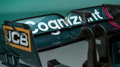 F1 2021, le immagini da studio dell'Aston Martin AMR21: dettaglio dell'ala posteriore