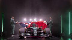 F1 2021, le prime immagini della presentazione dell'Aston Martin AMR21 di Vettel e Stroll