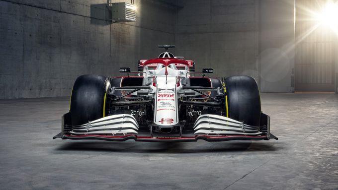 F1 2021, le prime immagini dell'Alfa Romeo Racing C41 (vista anteriore)