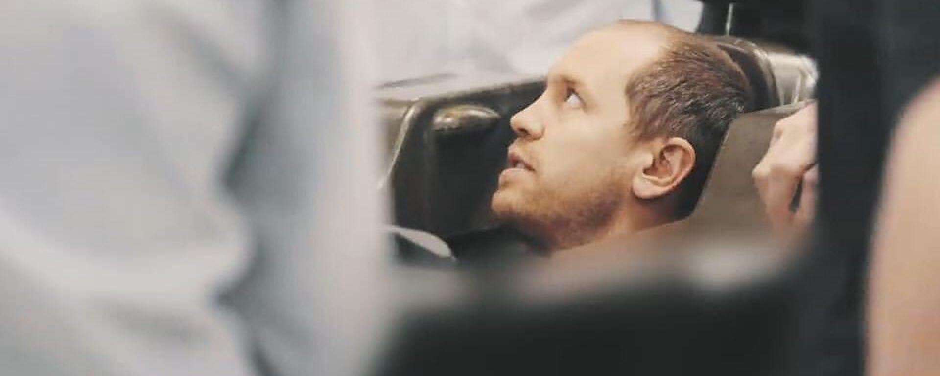 F1 2021, Sebastian Vettel alla prova sedile in Aston Martin F1