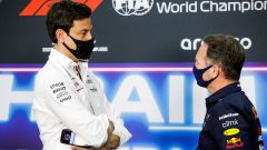 F1 2021: Toto Wolff (Mercedes) e Chris Horner (Red Bull)