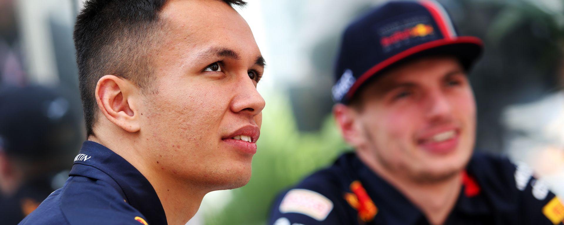 F1: Alex Albon e Max Verstappen (Red Bull)
