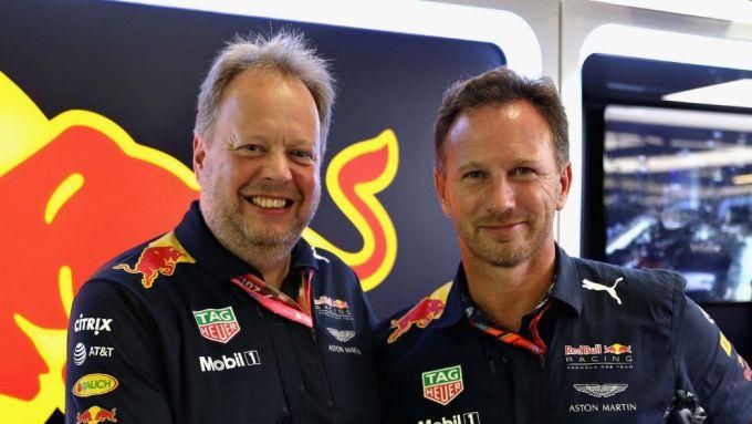 F1: Andy Palmer (Aston Martin) con Chris Horner (Red Bull)