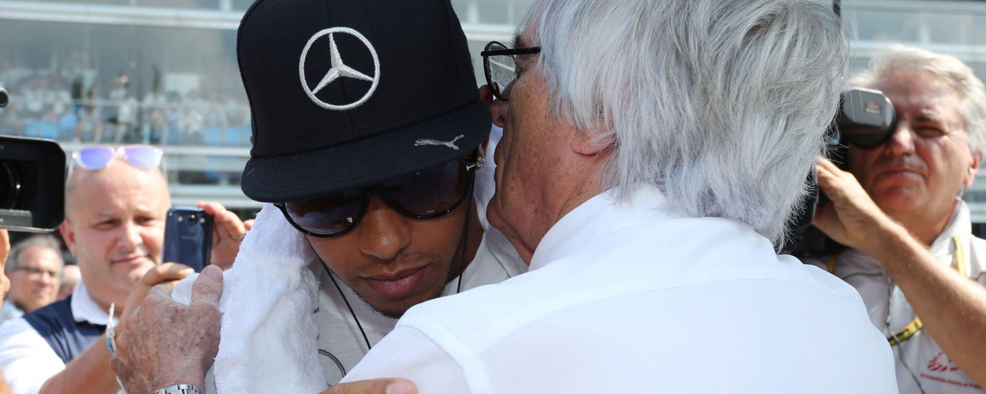 F1: Bernie Ecclestone con Lewis Hamilton