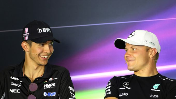 F1, Bottas e Ocon in una conferenza stampa nel 2017