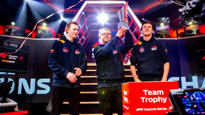 F1 Esports Pro Series 2019, Londra: il team Red Bull vince il campionato team