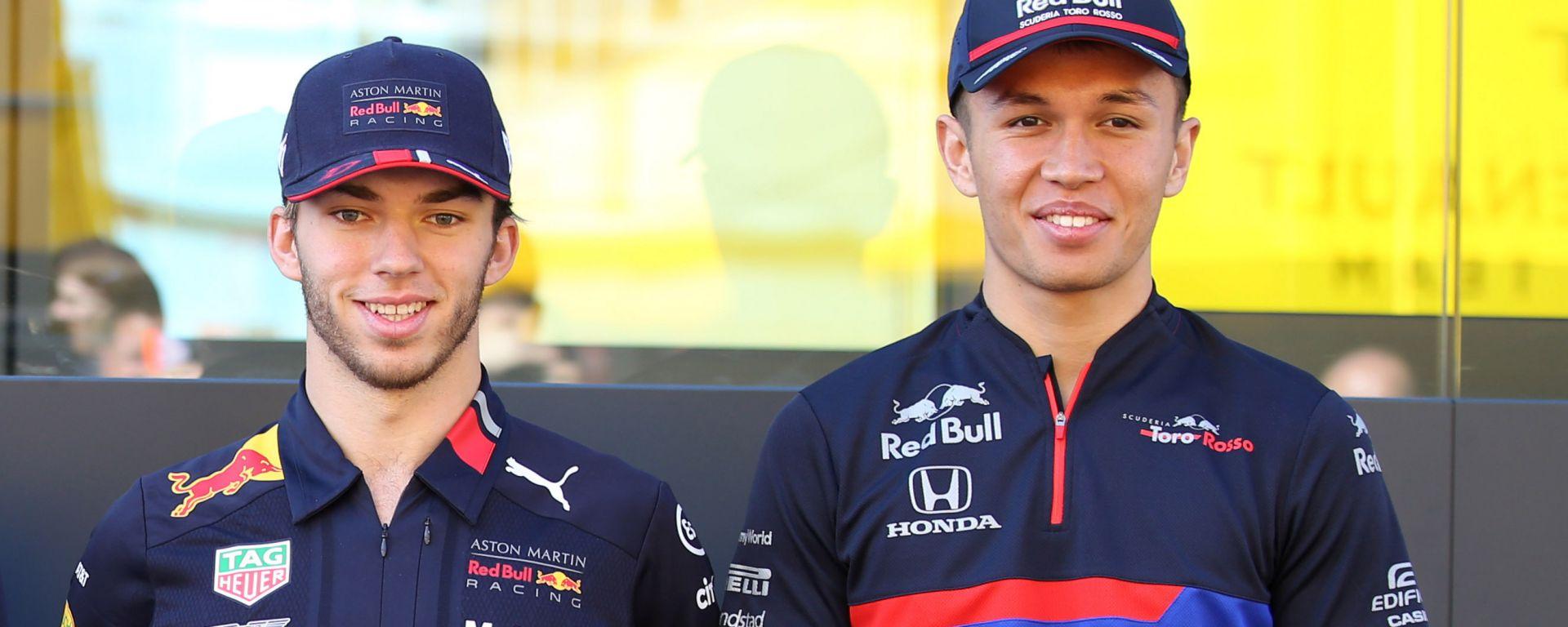 F1, Gasly (a sinistra) e Albon (a destra) sono protagonisti dell'ultimo scambio di volanti in famiglia Red Bull-Toro Rosso