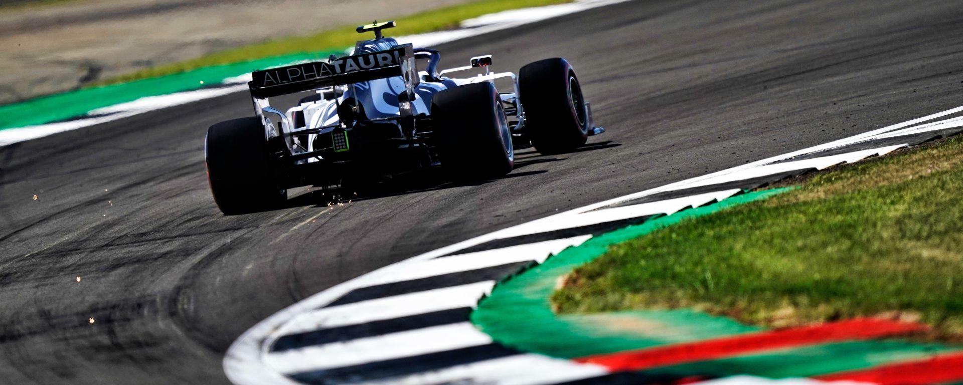 F1 GP 70° Anniversario, Silverstone: Pierre Gasly (AlphaTauri) nelle velocissime curve Becketts
