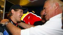 F1, GP Abu Dhabi 2010: Dietrich Mateschitz si complimenta con Sebastian Vettel (Red Bull)