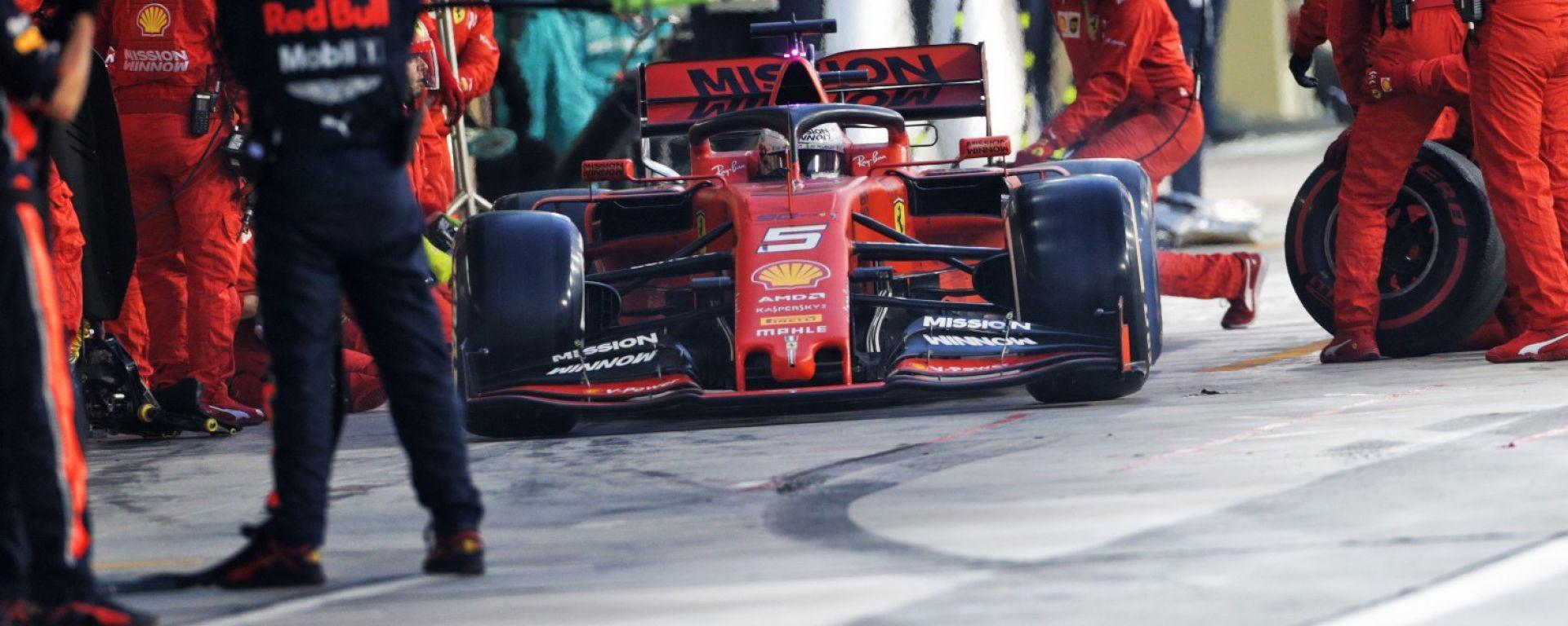 F1 GP Abu Dhabi 2019, Yas Marina: il pit stop di Sebastian Vettel (Ferrari)