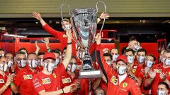 F1, GP Abu Dhabi: la finta Champions League consegnata a Sebbb