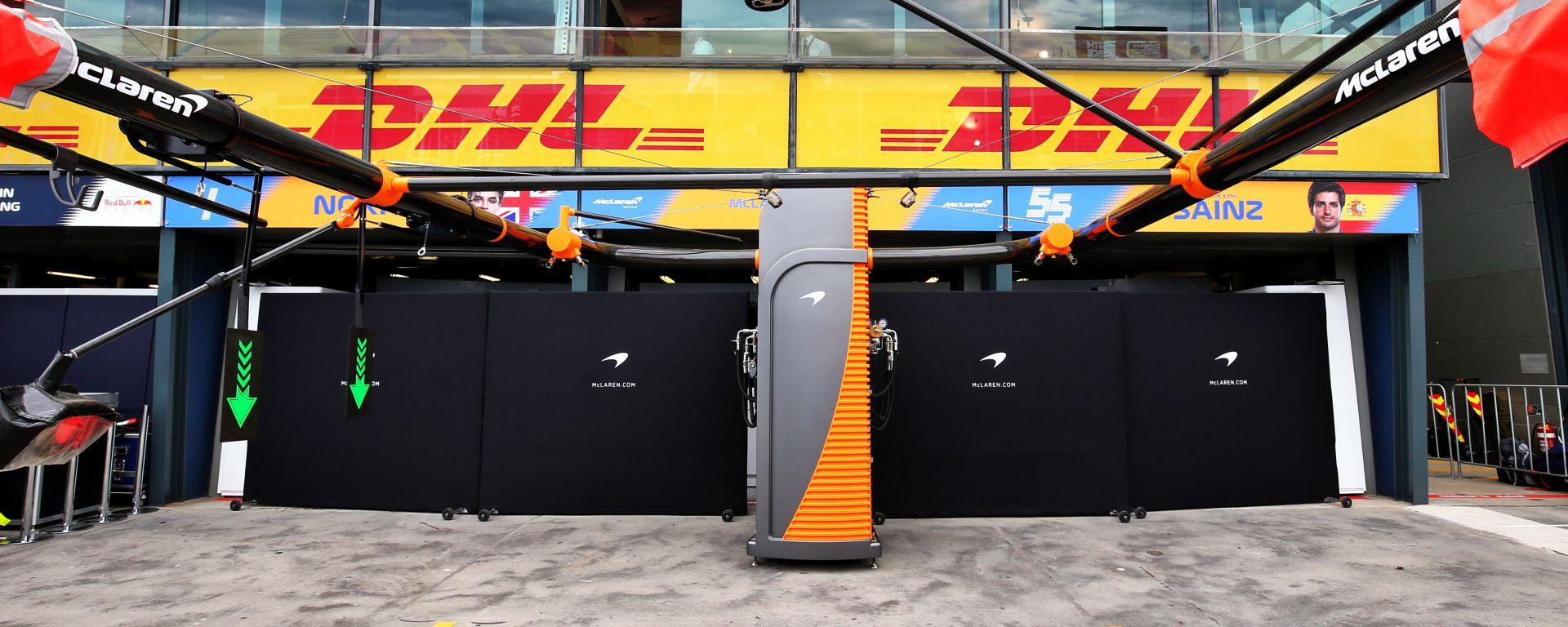 F1, GP Australia 2020: il box della McLaren chiuso dopo il caso di coronavirus