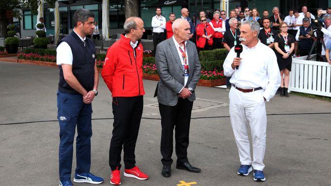 F1 GP Australia 2020, Melbourne: Chase Carey (ultimo a destra) intervistato dopo il rinvio del GP