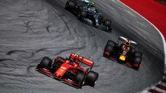 F1 GP Austria 2019, Spielberg: azione in pista con Leclerc (Ferrari) davanti a Verstappen (Red Bull)