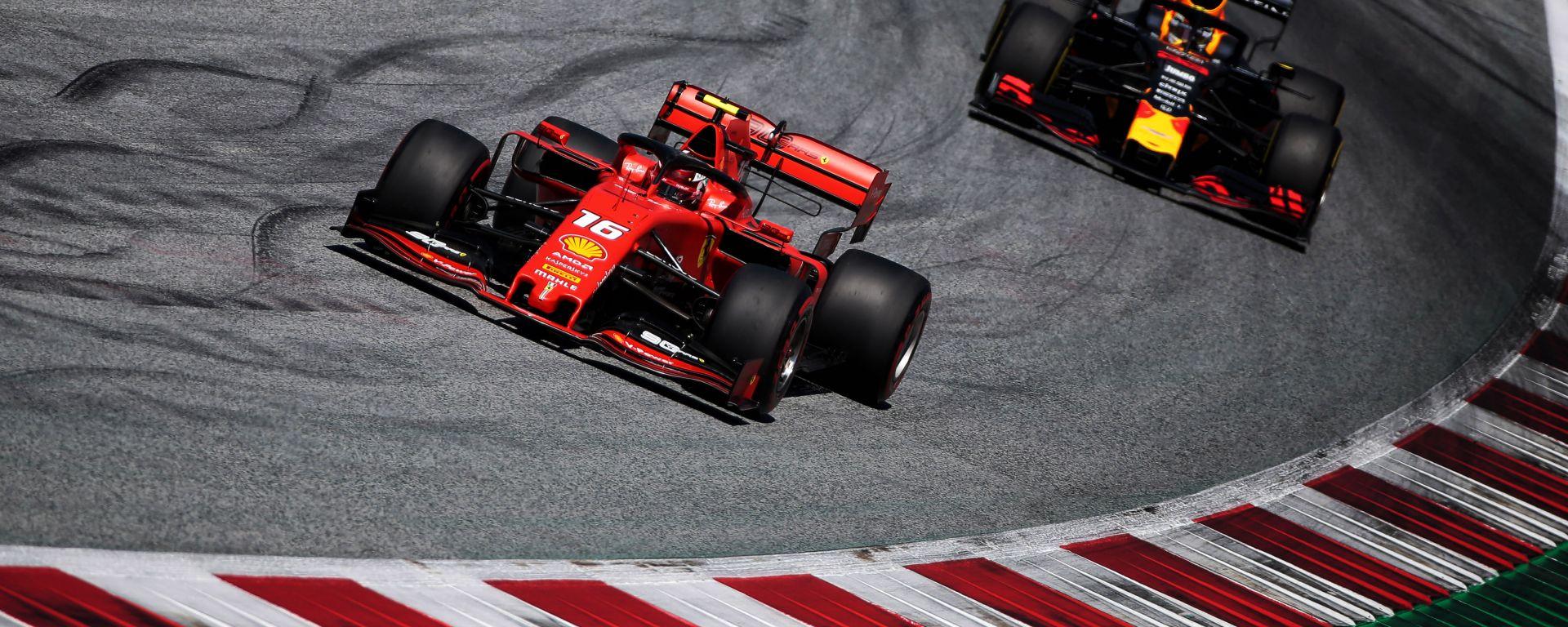 F1 GP Austria 2019, Spielberg: Charles Leclerc (Ferrari) seguito da Max Verstappen (Red Bull)