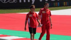 F1 GP Austria 2019, Vettel nella track walk con l'ingegnere di pista Riccardo Adami