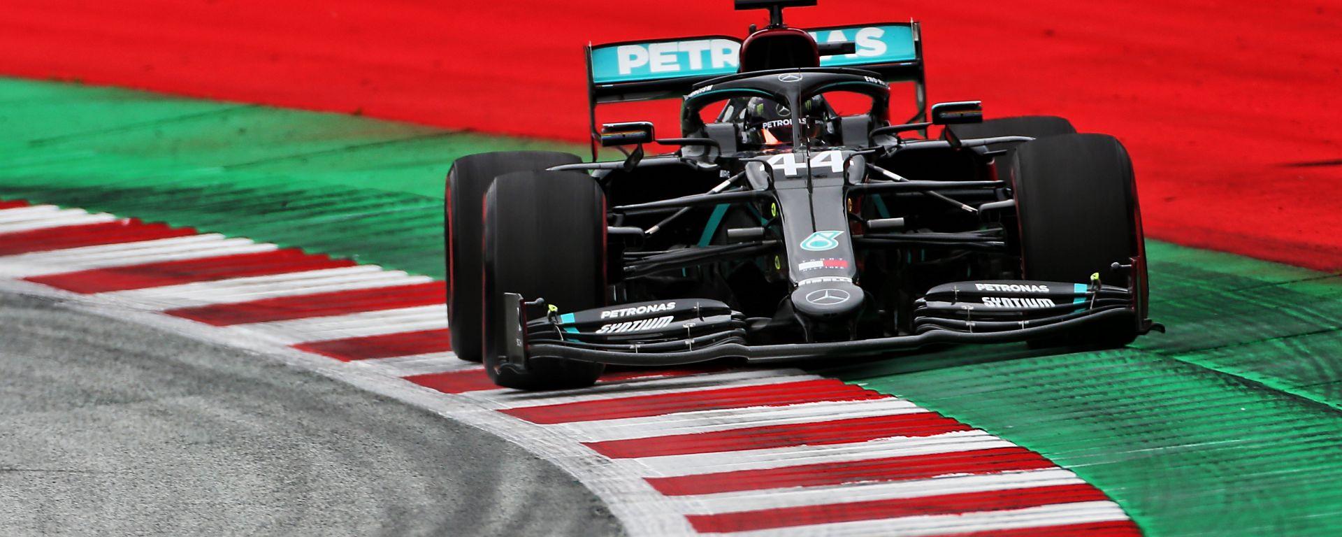 F1 GP Austria 2020, Red Bull Ring: Lewis Hamilton (Mercedes) è il più veloce nelle PL1