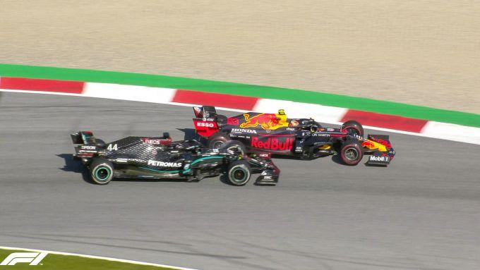 F1 GP Austria 2020, Red Bull Ring: l'incidente tra Lewis Hamilton (Mercedes) e Alex Albon (Red Bull)