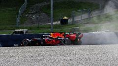 F1 GP Austria 2020, Red Bull Ring: Max Verstappen protagonista di un'escursione fuori pista nelle PL2