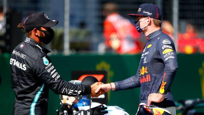 F1 GP Austria 2020, Red Bull Ring: Max Verstappen (Red Bull) saluta Hamilton (Mercedes) dopo la Q3