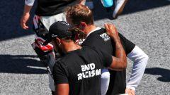 F1 GP Austria 2020, Red Bull Ring: Sebastian Vettel e Lewis Hamilton dopo la cerimonia antirazzista
