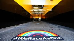 F1 GP Austria 2020, Spielberg: l'arcobaleno di #WeRaceAsOne nel paddock