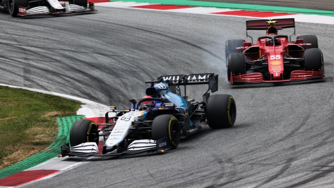 F1 GP Austria 2021, Spielberg: George Russell (Williams) con Carlos Sainz (Ferrari)